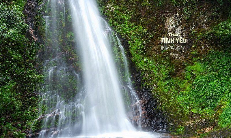Đi vòng quanh thác tình yêu và thác bạc khi du lịch Sapa tháng 9