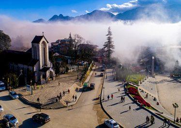 Thị trấn Sapa trong mây