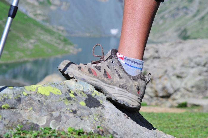 Chuẩn bị những đôi giày thể thao khi du lịch Sapa