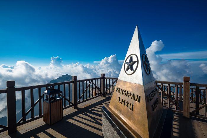Đỉnh núi Fansipan - Địa điểm lý tưởng khi du lịch Sapa tháng 1