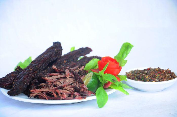 Thưởng thức hương vị của thịt trâu gác bếp Sapa