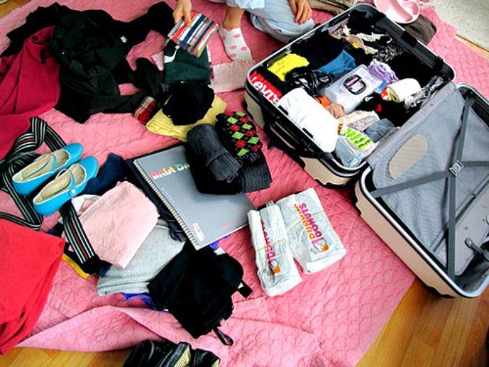 Chuẩn bị đồ dùng cá nhân đầy đủ để chuyến đi được trọn vẹn