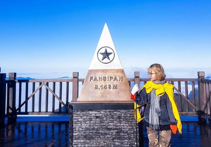 Đừng quên chụp ảnh kỷ niệm trên đỉnh Fansipan nhé