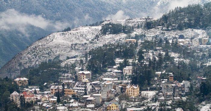 Tuyết rơi phủ trắng Sapa - khung cảnh đẹp như ở Châu u