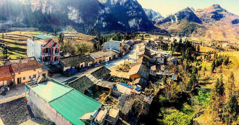 Làng Văn hoá Lũng Cầm