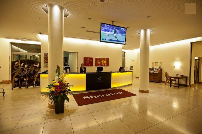 Khách sạn mini bố trí theo phong cách tối giản