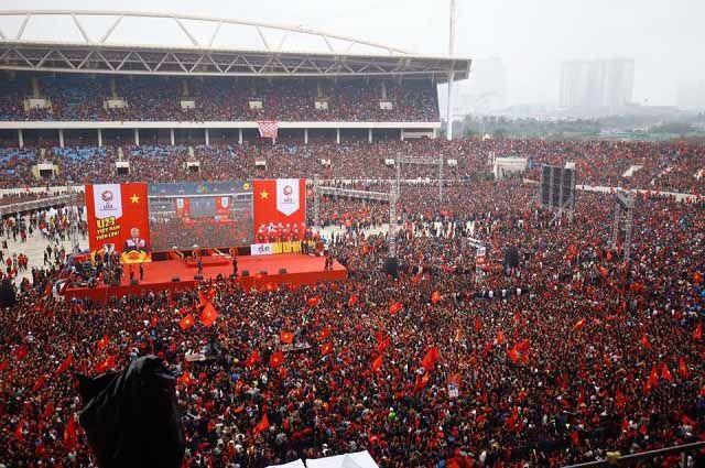 Sơ đồ sân vận động Mỹ Đình được nhuộm đỏ bởi cổ động viên