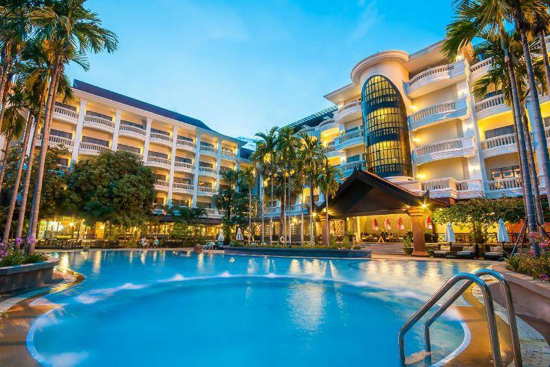 Yếu tố bể bơi trong thiết kế khách sạn sẽ làm tăng giá trị của khách sạn về mặt tiện nghi và thẩm mỹ