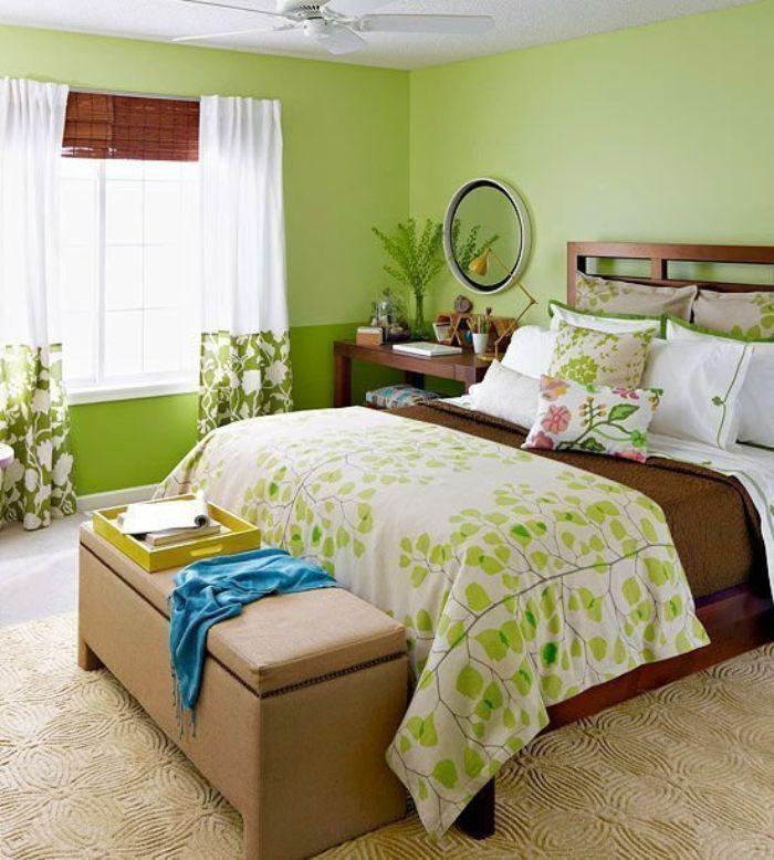 Phòng ngủ cho cặp đôi theo tông màu xanh và nâu trầm