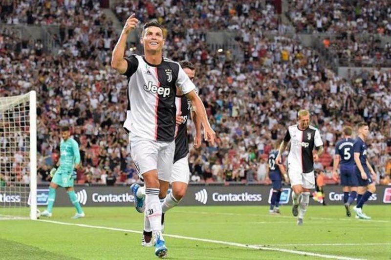 Ảnh của Ronaldo ăn mùng khi ghi được bàn thắng