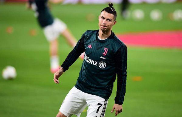 Cầu thủ bóng đá Ronaldo