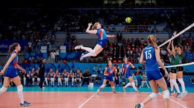 Kỹ thuật chắn bóng chuyền đòi hỏi sự tập trung cao độ