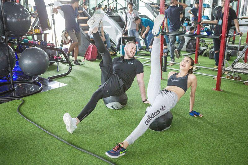 Gym đòi hỏi sự vận động cơ bắp