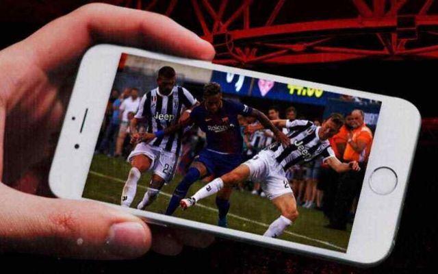 Xem bóng đá trên Iphone khá phổ biến hiện nay