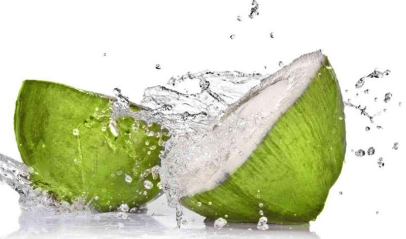 Nước dừa bổ sung axit amin cho cơ thể