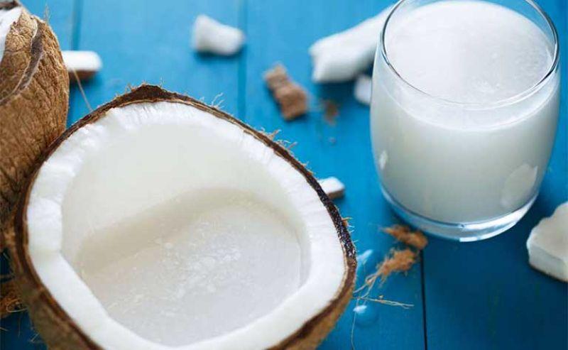 Nước dừa là nước uống 100% tự nhiên