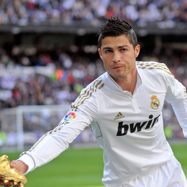 Ronaldo trong kiểu tóc Spiky