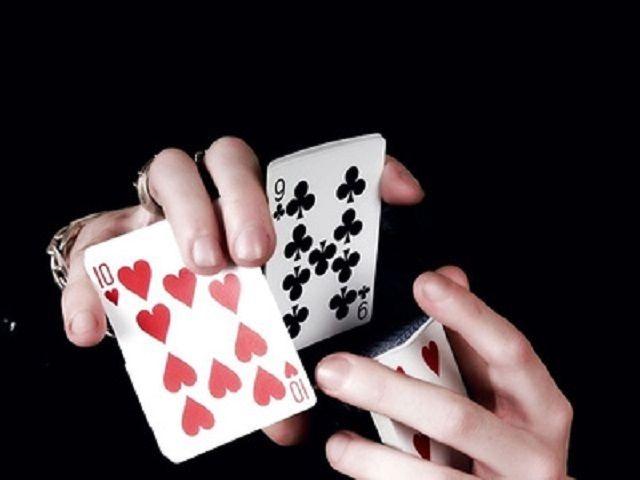 Cách tráo bài có tứ quý về mình