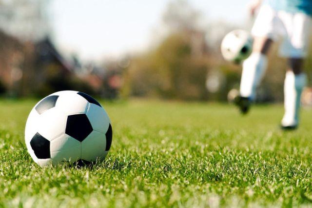 Bóng thi đấu trong trận bóng đá 7 người cần đạt kích thước chuẩn