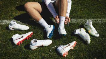 Cách chọn giầy đá bóng ở Vị trí tiền đạo