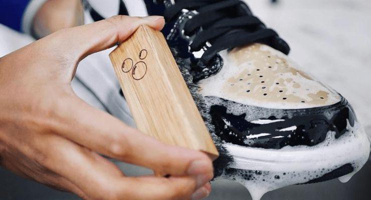 Cách vệ sinh giày đá bóng