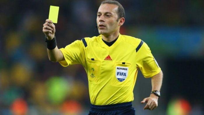 Cầu thủ bị phạt thẻ vàng khi có các hành vi phạm lỗi